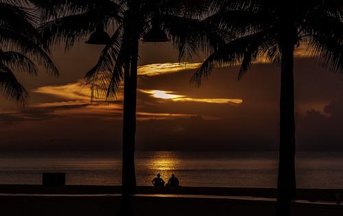 nature florida sunset lovers ocean beach explore flickrexplore