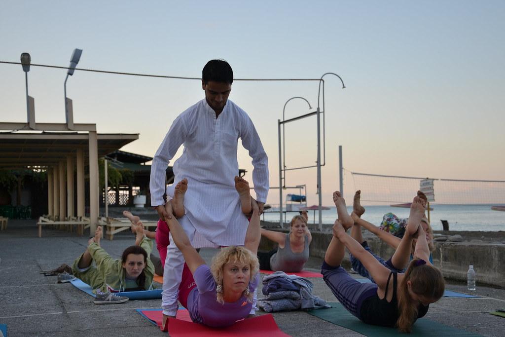 Hatha Yoga Teacher Training In India 200 Hour Yoga Teacher Flickr