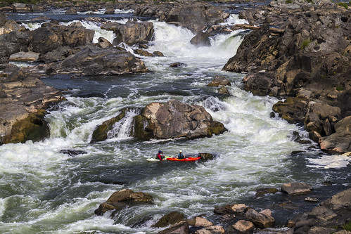 kayak cocanal greatfallsmaryland 2016 august canon7d centennial maryland nps nationalhistoricalpark nationalparkservice hiking historic natural sunny water waterfalls rocks rapids whitewater