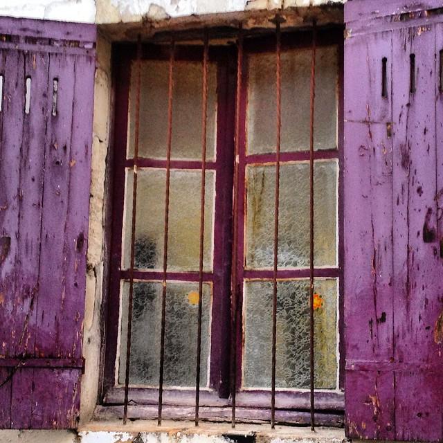 window in bordeaux