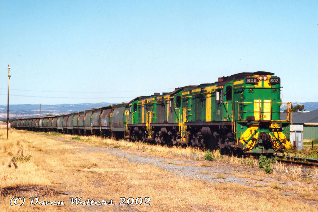 602 607 603 7U12 Loaded ASR Gladstone Grain Gillman Junction 30 11 2002 by Daven Walters
