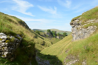 Peveril Castle and Lose Hill from Cave Dale | by Tibby Man
