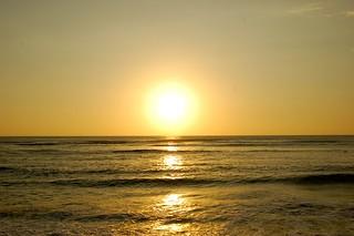 Coucher de soleil sur le Pacifique à Lima | by manumenal