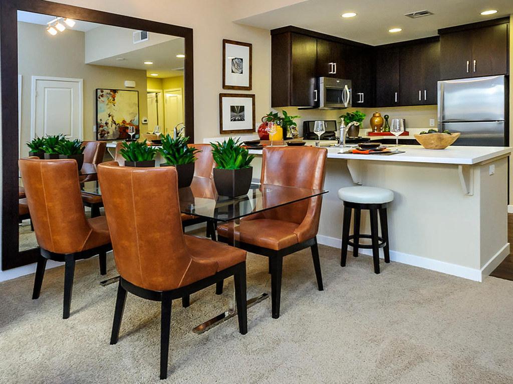 Bar Harbor • Plan B: Great Room & Kitchen 2