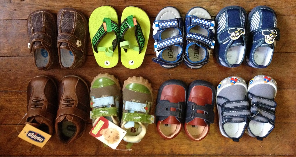 33e982a5a354 ... Orange New shoes   sandals for the baby. Chicco
