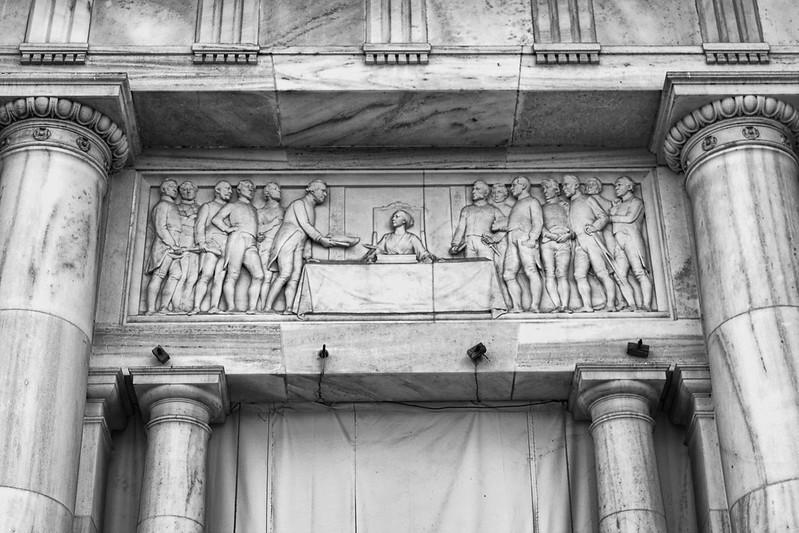 Victoria Memorial: IV