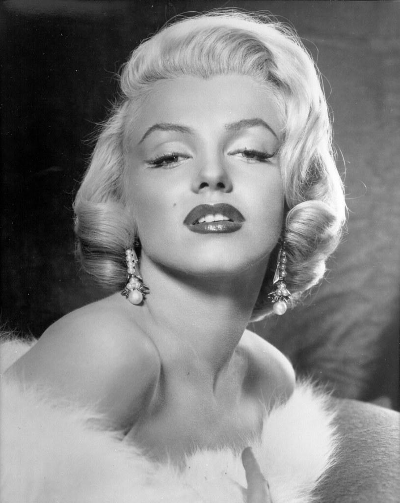 Imagini pentru Marilyn Monroe eyebrows
