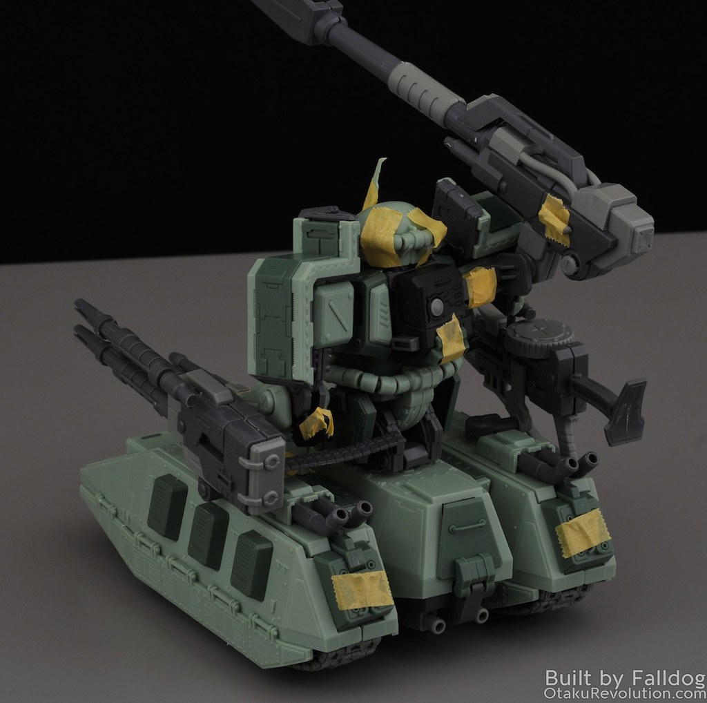 Motor King - 1-100 Zaku Tank Review 7