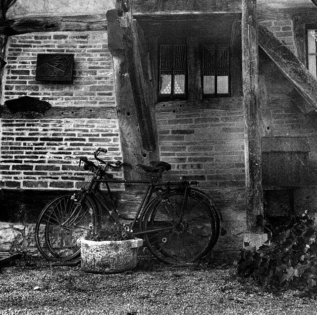 2794.Old bicycles
