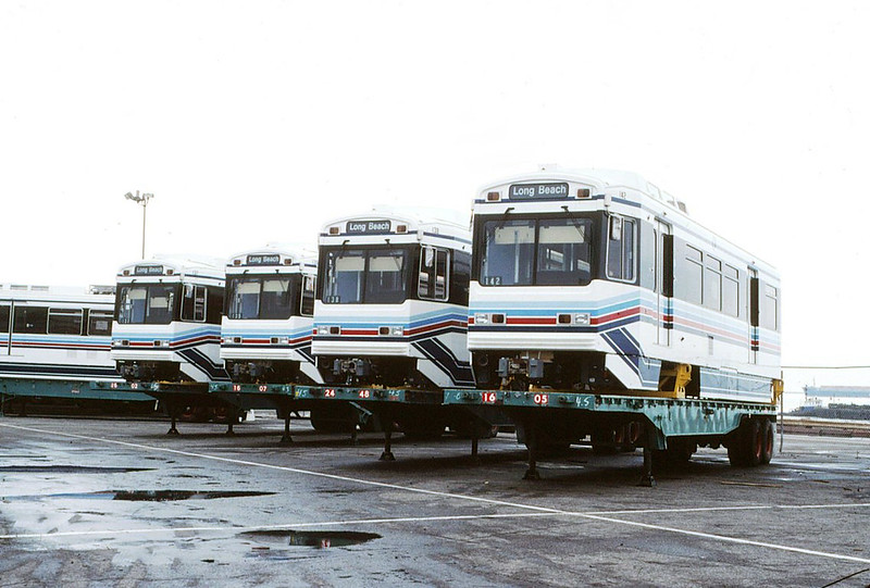 026 LACTC  Blue Line New Cars At The Dock 19890319 AKW