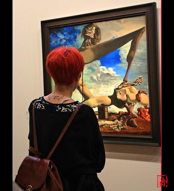 Salvador Dalí contemplé 2/5