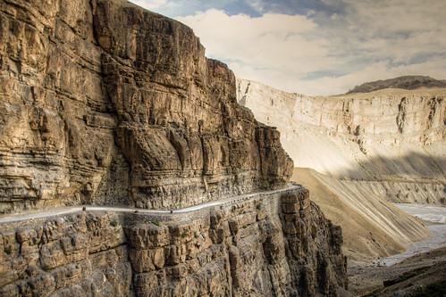 Camino a Spiti valley, Himachal Pradesh   by Carlos Adampol