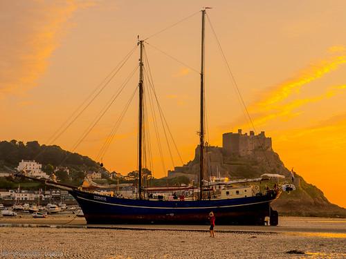 kanalinseln france england îlesanglonormandes segeln festung jersey gulfstream golfstrom habour frankreich sonnenaufgang channelislands sunrise sailing hafen fort