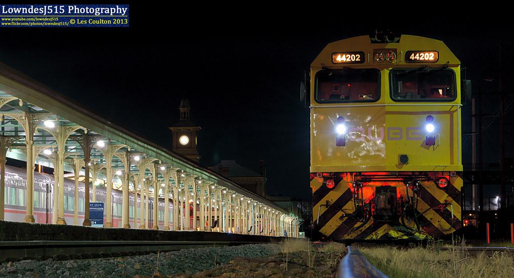 44202 at Albury by LowndesJ515