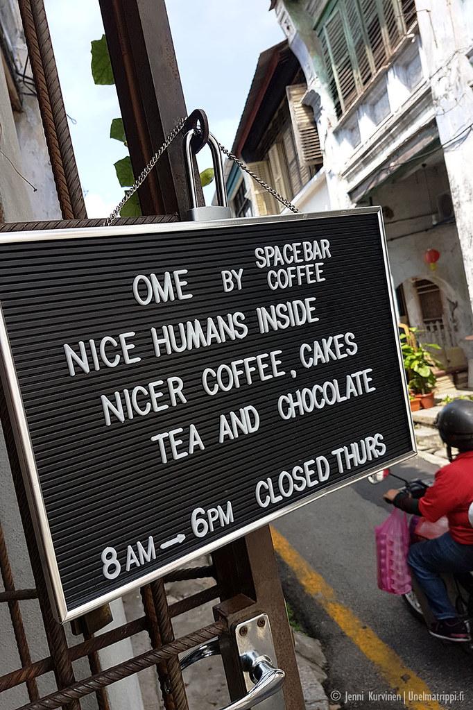 Kahvilan kyltti George Townissa