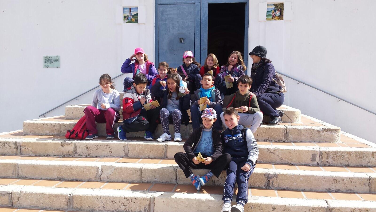 (2018-03-16) - Visita ermita alumnos Laura,3ºB, profesora religión Reina Sofia - Marzo -  María Isabel Berenguer Brotons (05)