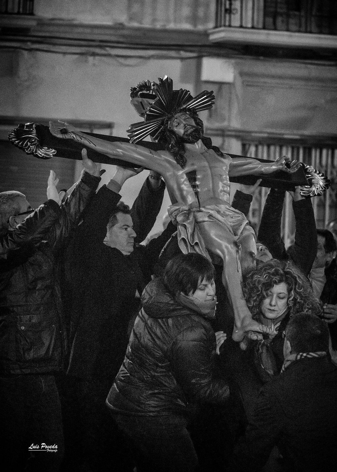 (2018-03-23) - IX Vía Crucis nocturno - Luis Poveda Galiano (03)