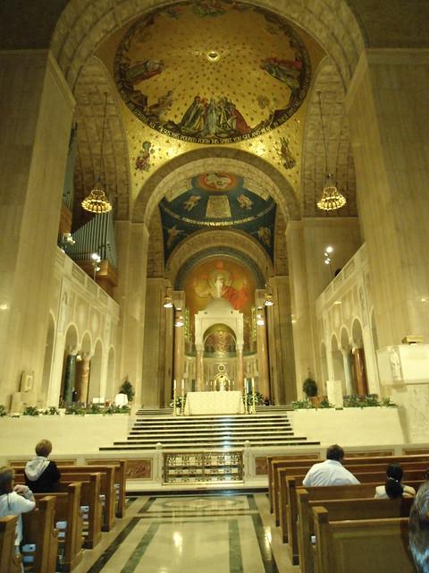 Altar, The Basilica of the National Shrine of the Immaculate Conception, Washington DC, USA - www.meEncantaViajar.com