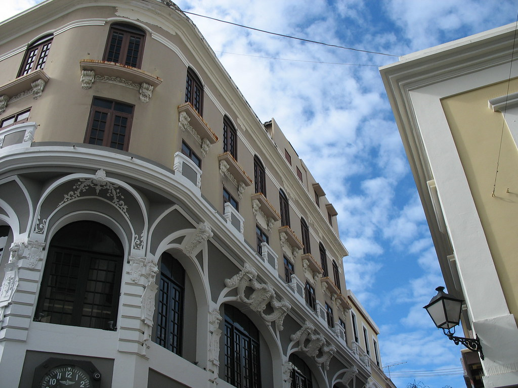 Building on the corner of Calle San Justo