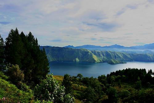 mountain lake indonesia landscape volcano view toba danau samosir northsumatra sumaterautara sumatrautara onanrunggutimur