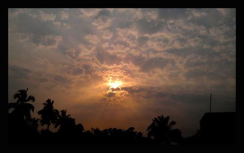 cameraphone light sky india nature clouds afternoon ngc photograph shafts westbengal calcuttakolkata chandannagar mobilephonephotography incrediblebengal ohkolkata kolkataamateurphotographers sunsetssunrisesaroundtheworld121countries discoverywestbengal yahooindiayourphotos
