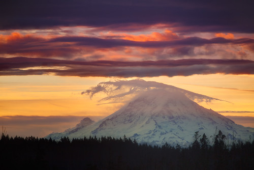 seattle winter mountain mountains clouds sunrise landscape dawn volcano washington day cloudy mountrainier wa bainbridgeisland washingtonstate mtrainier canon70200mm enfuse focuswhatsthat canon5dmk2 garretveley cloudsthatarecool promotecontrol insanecolorfrenzy canon2xtelextender