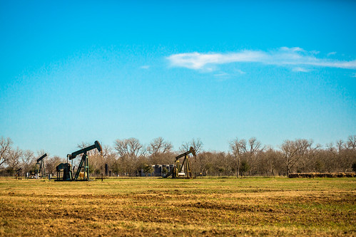 sky usa industry rural photography march countryside us photo energy pumps texas photographer unitedstates image tx unitedstatesofamerica country bluesky wells 100mm gas well photograph srp oil 100 february f28 noddingdonkey oilwells oilwell pumpjack sealy reciprocating pumpingunit 2013 beampump jackpump thirstybird gaswells austincounty grasshopperpump horseheadpump ¹⁄₈₀₀₀sec eos5dmarkiii ef100mmf28lmacroisusm suckerrodpump mabrycampbell march32013 overgrounddrive reciprocatingpistonpump 201303030h6a0878