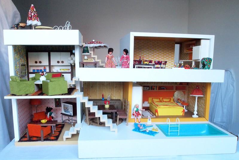 1974 Bodo Hennig Puppenhaus vorn
