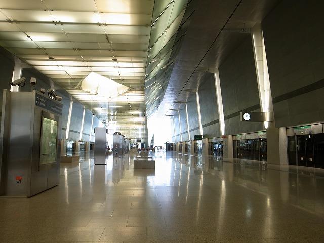 <p>c)チャンギ空港</p>
