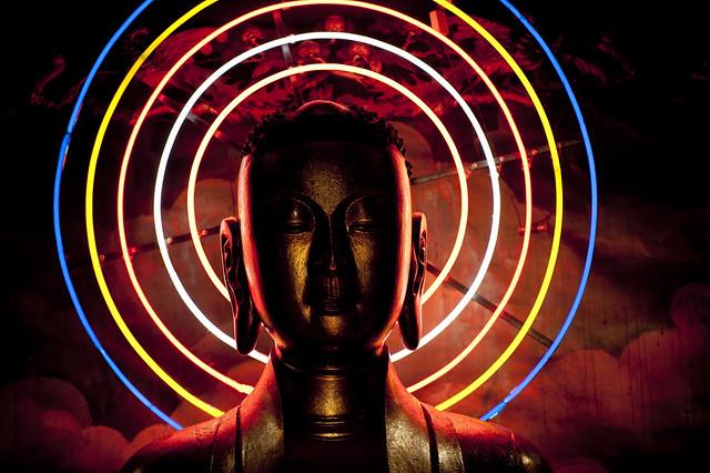 V071 Buddha statue - Chua Vinh Trang Temple