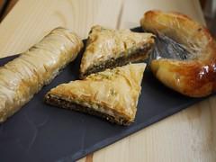 月, 2013-04-01 14:22 - ギリシャ菓子(Baklava, Saragli, croisant)