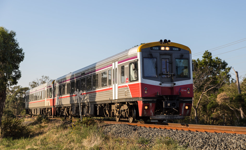 7008 at Long Island Junction by michaelgreenhill