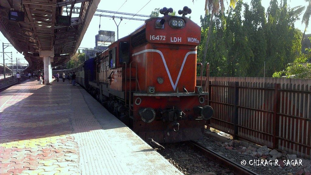 22452 Chandigarh-Mumbai BandraT SF Express   LDH WDM3A # 164…   Flickr