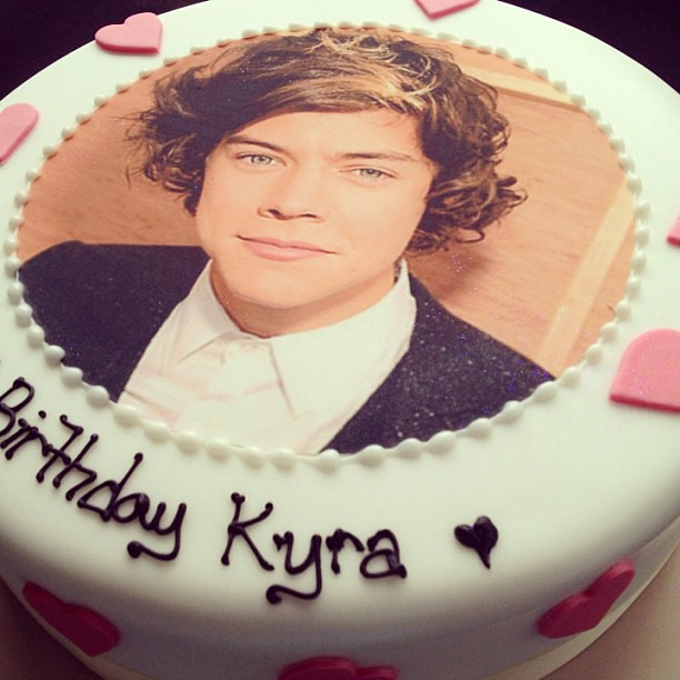 Awe Inspiring Harry Styles Birthday Cake Vanilla Party Fan Music Flickr Funny Birthday Cards Online Eattedamsfinfo