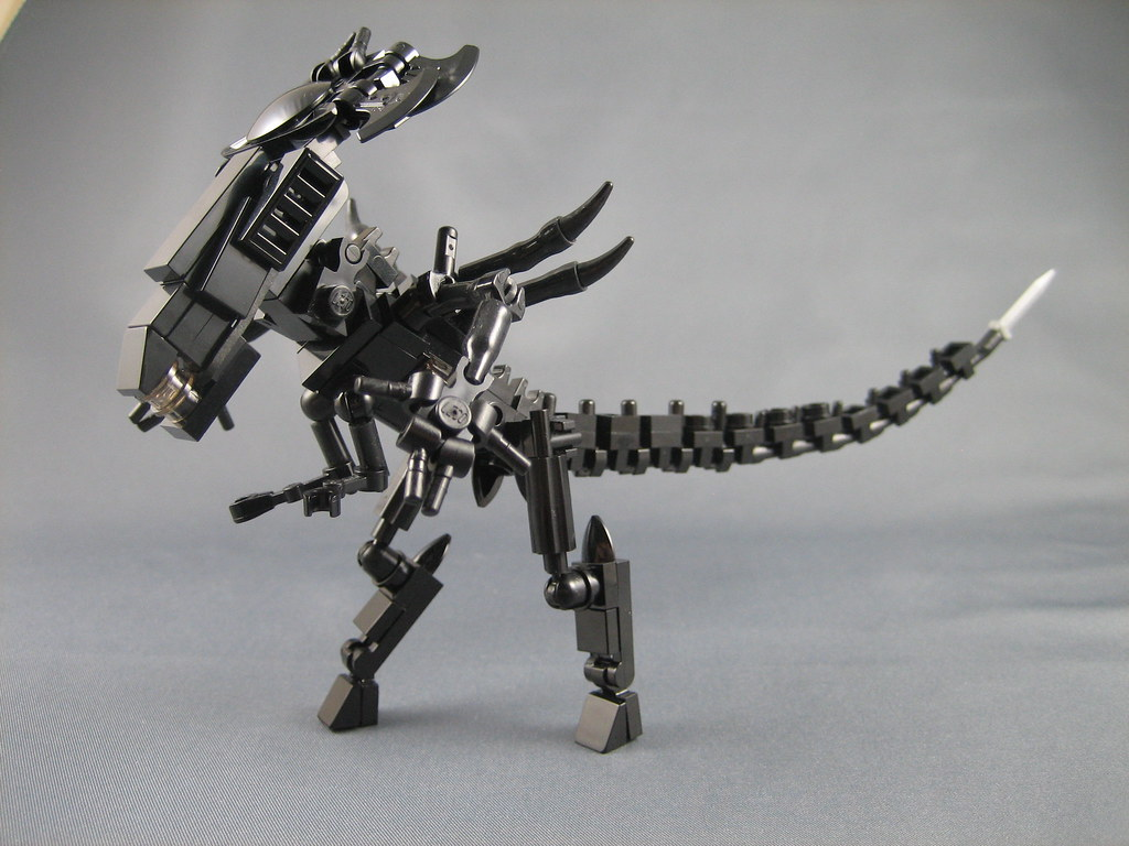 Mini LEGO Aliens Queen | Here she is, the mother of all moth… | Flickr
