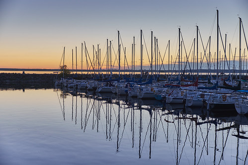 summer september aylmerqc quebec aylmermarina marina water river ottawariver lacdeschênes sun sunset evening boat boats