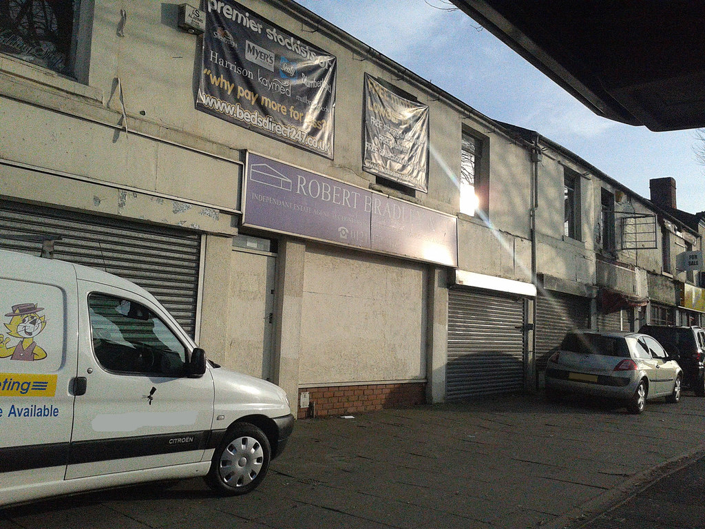 Empty shops - Bristol Road, Selly Oak | To the right of Beds… | Flickr