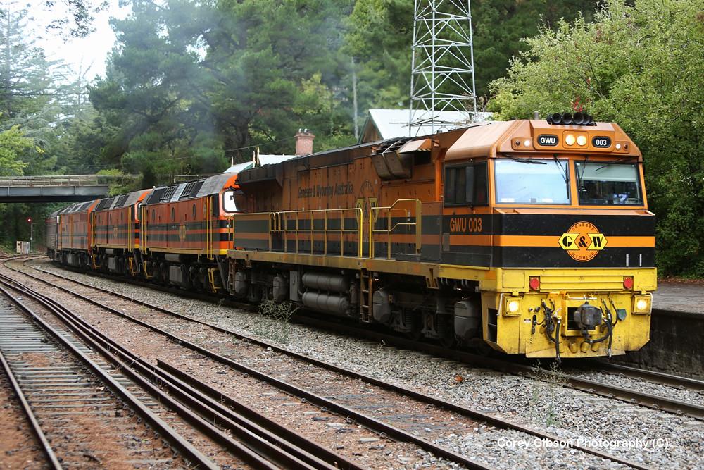 GWU003, 2207, 2216 & CLP8 grain train through Mt Lofty station by Corey Gibson