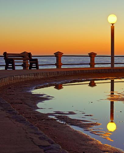 light sunset reflection canon atardecer eos farola banco reflejo hdr rambla 550d t2i efs1855mmf3556is