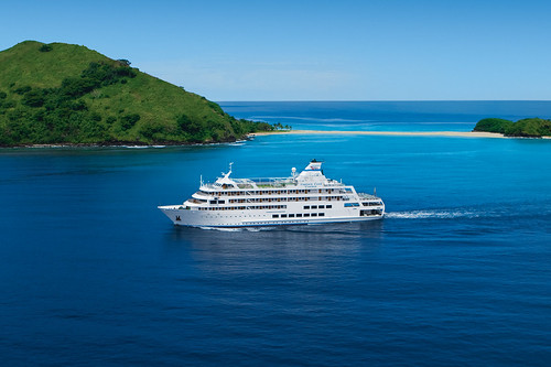 Captain Cook Cruises: Reef Endeavour | by Traveloscopy