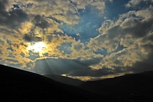 bulut sky skies sun güneş mavi blue hava mountain dağ işık light konya turkey meram canon canoneos700d 1855mm