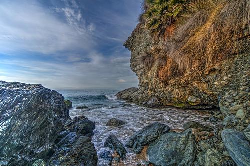 1000stepsbeach lagunabeach california southerncalifornia ocean waves rocks rockscape sky