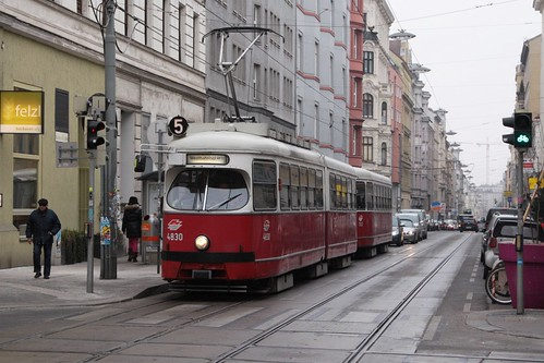 E1 tram 4830 and trailer heads up Kaiserstraße at Westbahnstraße