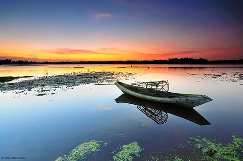 blue sky cloud fish seascape green nature water yellow wall landscape boat outdoor tranquility crab cage calm scape tuanaziziphotography