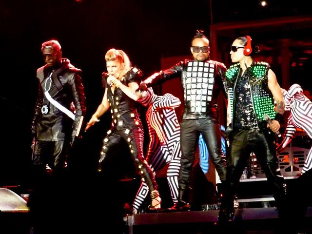 The Black Eyed Peas - The Beginning Massive Stadium Tour - Stade de France, Paris (2011)