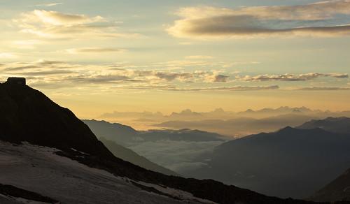stubai stubital alps austria austrianalps tyrol mairspitze wilderfreiger botzel wilderpfaff zuckerhutl mullerhutte glacier sunrise yellow