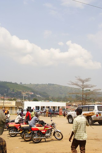 africa uganda kampala fortportal lakenkuruba 201301030121