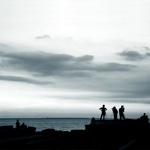 friends sunset silhouette dusk philippines pk manilabay fishers dreamers flickrites lightcatchers photographersinaction canon40d imago2007 pinoykodakeros