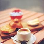 Coffee, brioche, sugar