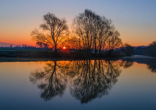 trees rural sunrise river landscape dawn nikon worcestershire avon tranquil riveravon eckington riverdawn d7000 jactoll